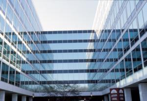 Fólie na skla komerčních budov