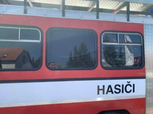 Tónování autoskel pro vůz Hasičského sboru.